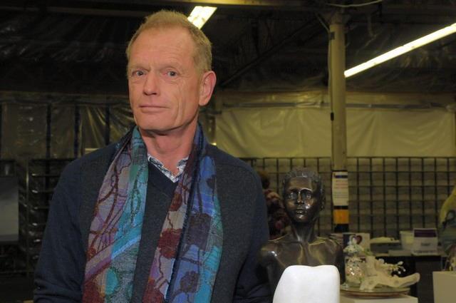 Hans Koenen maakt beelden in brons en steen (ook in combinatie). www ...